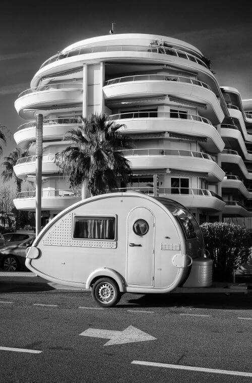 Caravane dans la ville
